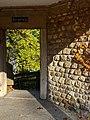Der 'Burgsteig' in der ehemaligen Umfassungsmauer von Schloss Uster 2012-11-14 14-05-20.JPG