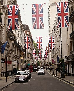 Diamond Jubilee- 3rd June 2012 (7541400768).jpg