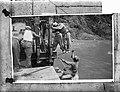 Door de 1e Compagnie Veldgenie van het KNIL werd nabij Bandjarnegaraeen Baileybr, Bestanddeelnr 903-2920.jpg