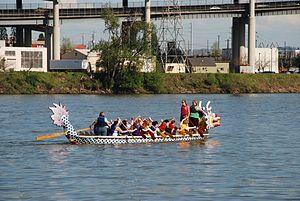 Dragon boat practice on Willamette River, Portland.jpg