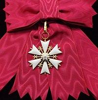 EST Order of the White Star 1st class badge sash for Dames (1).jpg