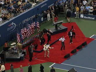 Earth, Wind & Fire - Image: Earth, Wind & Fire at 2008 US Open