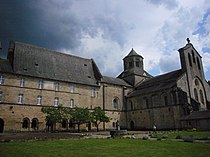 Eglise abbatiale d'Aubazine-monastère.JPG