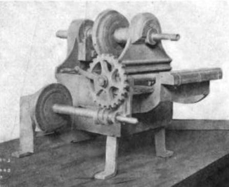 Eli Whitney milling machine 1818--001