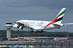 Emirates Airlines Airbus A380 A6-EDV (23419294213).jpg
