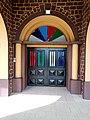 Entrée principale de l'église protestante méthodiste du Bénin à Porto novo.jpg