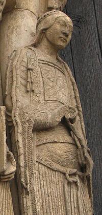 Esculturas de Chartres 3 detail bliaut.jpg