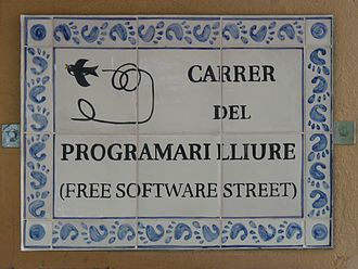 Free Software Street - Street-name plaque, with the GNOME software logo repeated around the border