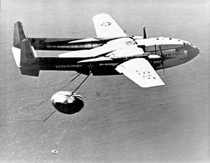 Discoverer 14 - Recovery of film canister by a C-119
