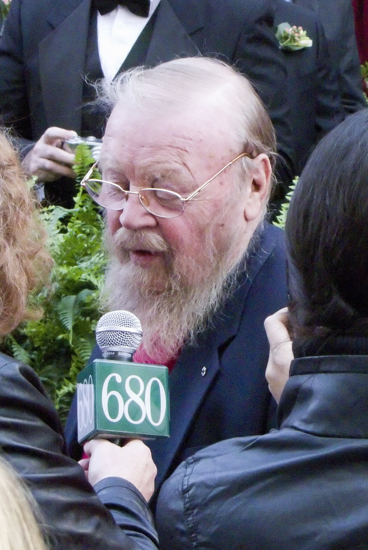 Farley mowat wikipedia for Claire nevers wikipedia