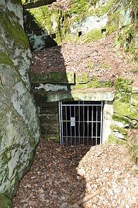 Felsenkeller Eingang Ebnether Keller.jpg