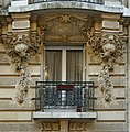 Fenêtre villa lutetia, 14 rue Larrey.jpg