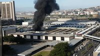 File:Fire at trainstation in Capetown 2018 3.webm