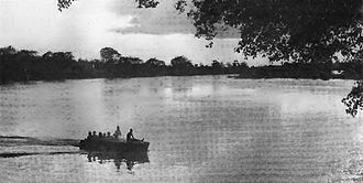 Siege of Saïo - Image: Force Publique Commander in Chief crossing the Baro River near Gambela