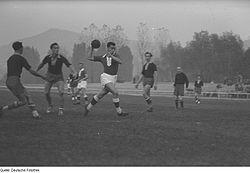 Match i ellevemannahåndbold, i den tyske Jena, 1953.