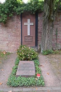 Frankfurt, Hauptfriedhof, Grab Hermann von Stülpnagel.JPG