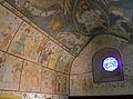 Fresques et vitrail dans l'église d'Engollon.jpg