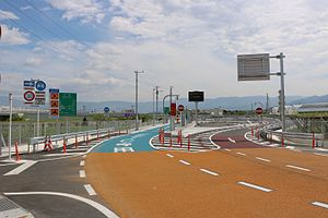 Fuefuki-Yatsushiro Smart interchange (the down line gate).jpg