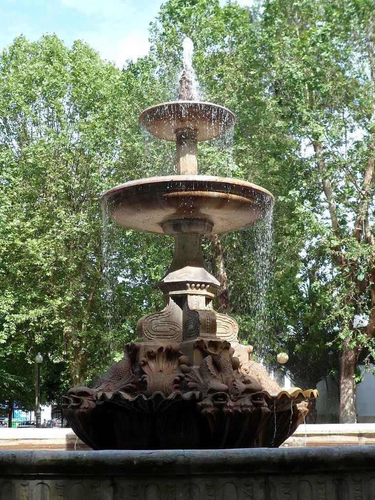 File fuente jardines de col n c rdoba espa a jpg - Jardines cordoba ...