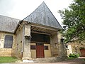 Gévezé église porche sud.jpg