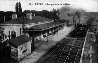 Transilien - Le Pecq train station, around 1900, with 1847's passenger building.