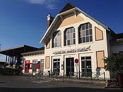 韦尔-托尔西站