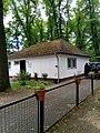 Gebäude 2 auf dem russisch-orthodoxen Friedhof in Berlin-Reinickendorf.jpg