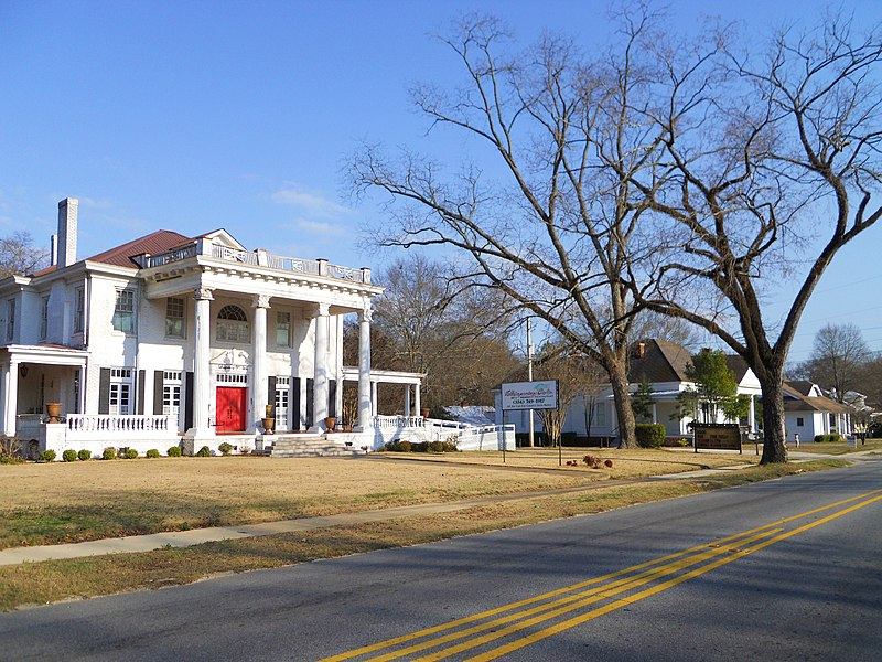 File:Geneva Street Historic District Opelika Alabama.JPG