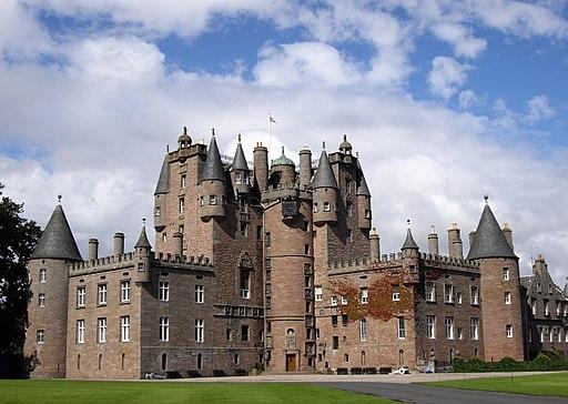 Glamis Castle 02