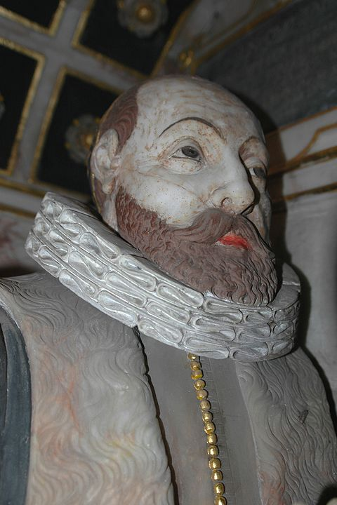 Alabaster likeness of Thomas Tesdale in the Tesdale monument in Glympton parish church Glympton StMary ThomasTesdale alabaster.JPG