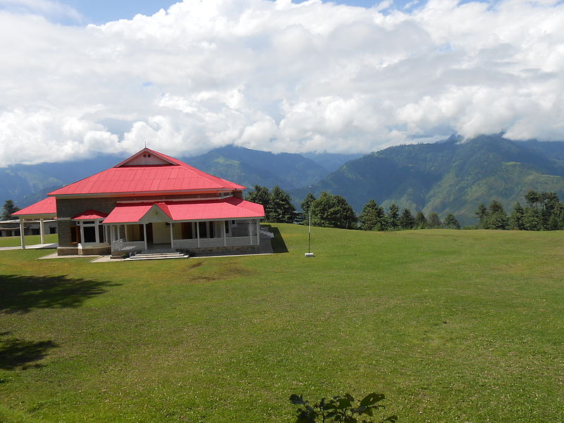 Dosya:Govt. Rest House at Shogran, Pakistan.JPG