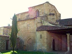 Gradefes - Monasterio de Santa Maria la Real 03.jpg