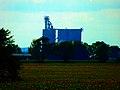 Grain Elevator Near Evansville - panoramio.jpg