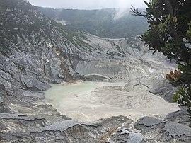 Gunung Tangkuban Parahu.jpg