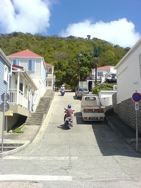 File:Gustavia — Steep street.JPG