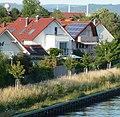 Häuser am Neckarkanal - panoramio.jpg