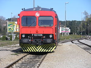 HŽ 7122 series train (01).JPG