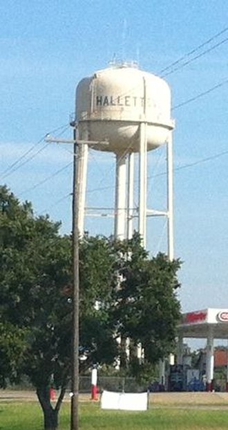 Hallettsville, Texas - Water tower in Hallettsville