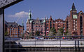 Hamburg old town (15397247724).jpg