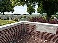 Hazebrouck (Nord, Fr) La Kreule Military Cemetery 01.JPG