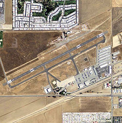 Hemet-Ryan Airport - California.jpg