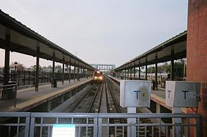 Rosa Parks Hempstead Transit Center - Image: Hempstead LIRR Tracks