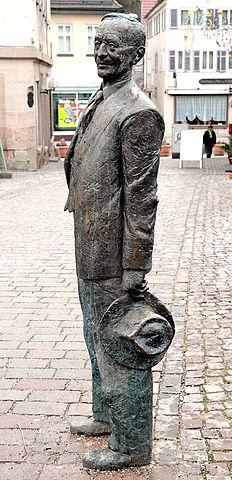 Скульптура Гессе в Кальве
