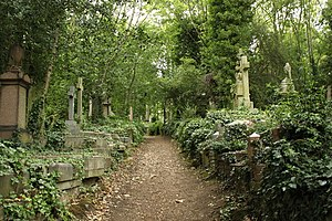 Highgate Cemetery - Highgate Cemetery East (2010)