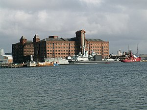 HMS Onyx (S21) - HMS Onyx and other ships at Birkenhead in 2005