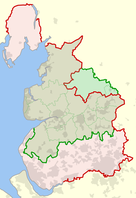 The historic county palatine boundaries in red and the ceremonial county in green Historical and current boundaries of Lancashire.png
