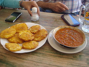 Colombian cuisine - Tostones and hogao