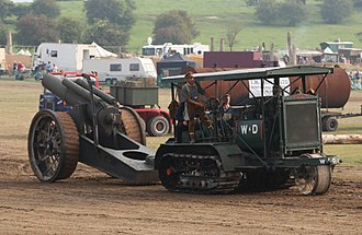 Holt tractor - A Holt 75 hauling a replica 8-inch howitzer