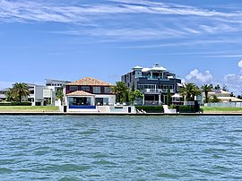 House on Sovereign Islands, Queensland 02.jpg