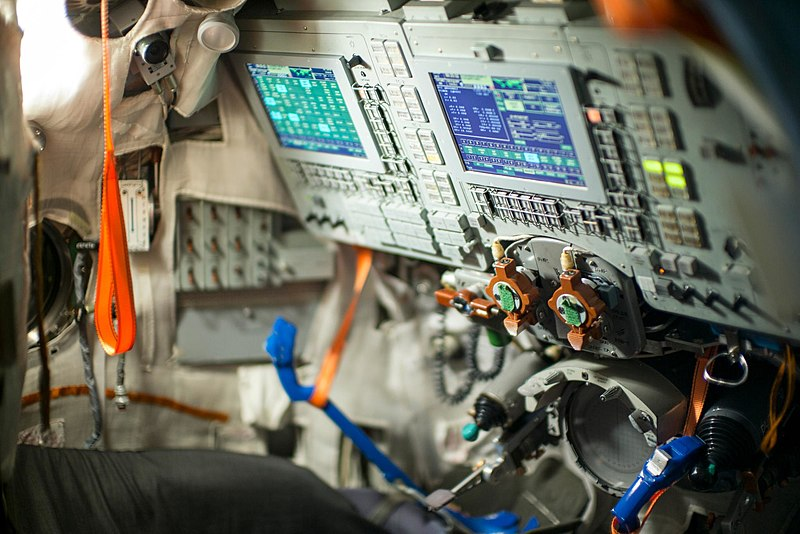 File:Inside the Soyuz spacecraft. -interstellar today. (15885043256).jpg